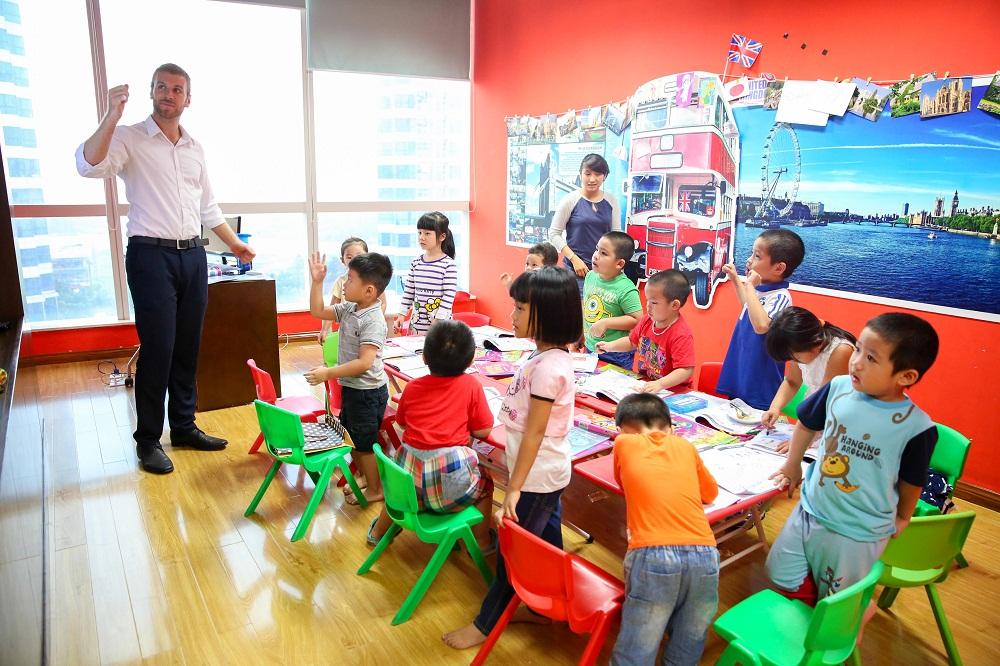 Mở lớp dạy tiếng Anh ở nông thôn