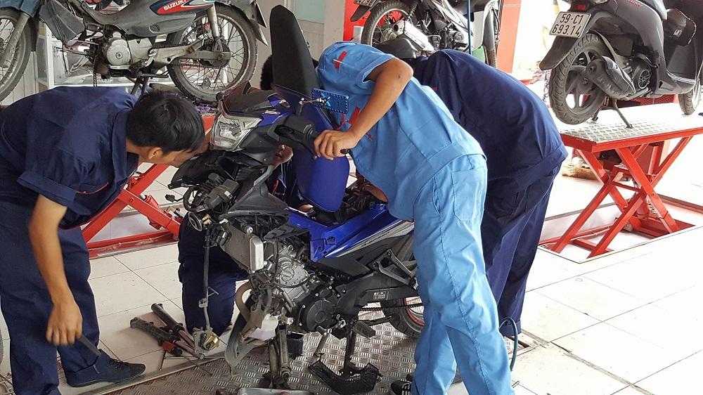 Làm giàu với mô hình bảo dưỡng và sửa chữ xe máy, ôtô tại nông thôn